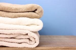手汗の対処法 タオルで手を拭く
